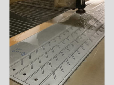 難削材チタン ウォータージェット切断加工