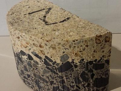鉄筋入りコンクリート床材切り欠き加工