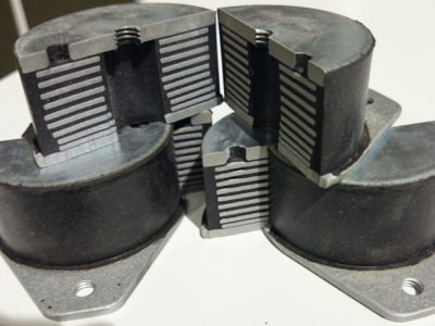 防振ゴム 内部構造確認ウォータージェット切断