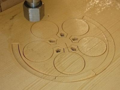 檜(桧・ヒノキ)板ウォータージェット抜き加工
